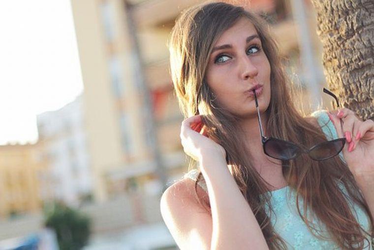 girl-410334__340