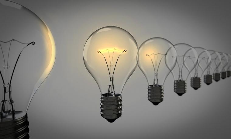 light-bulbs-1875384_1920