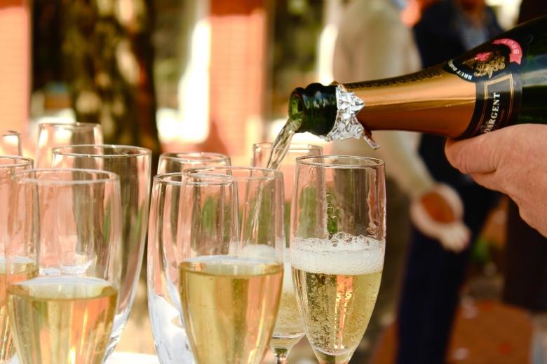 sparkling-wine-2407247_1920
